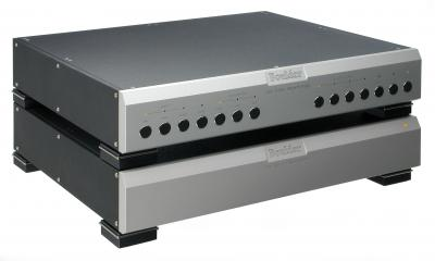 Boulder Amplifiers, Inc. 2008 Phono Preamplifier photo 1